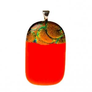 Handgemaakte glashanger met oranje glas
