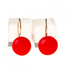 Handgemaakte lange rode oorbellen van glas